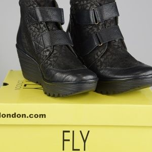 New Fly London Yugo 684 Wedge Ankle Boots